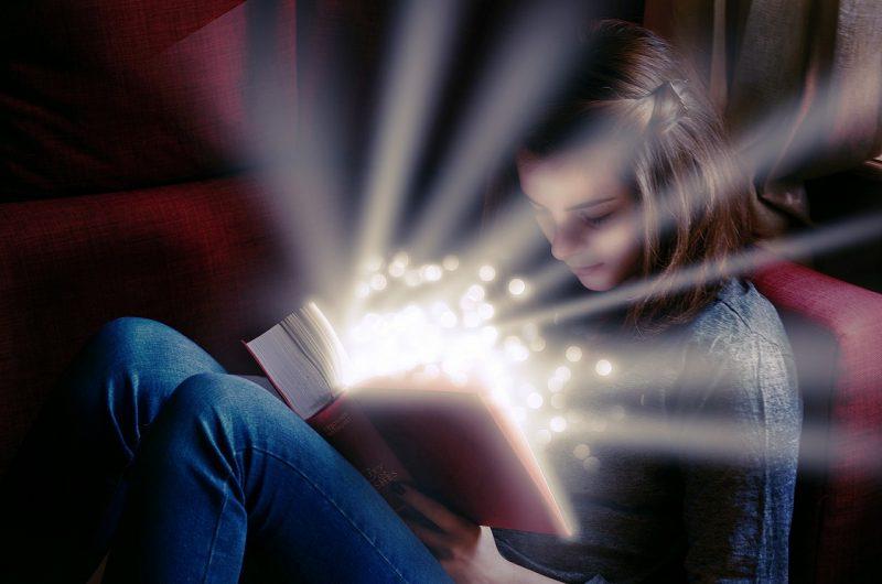 Én mindig csak olvastam. És mindig csak arra vágytam, hogy szövegíró legyek!